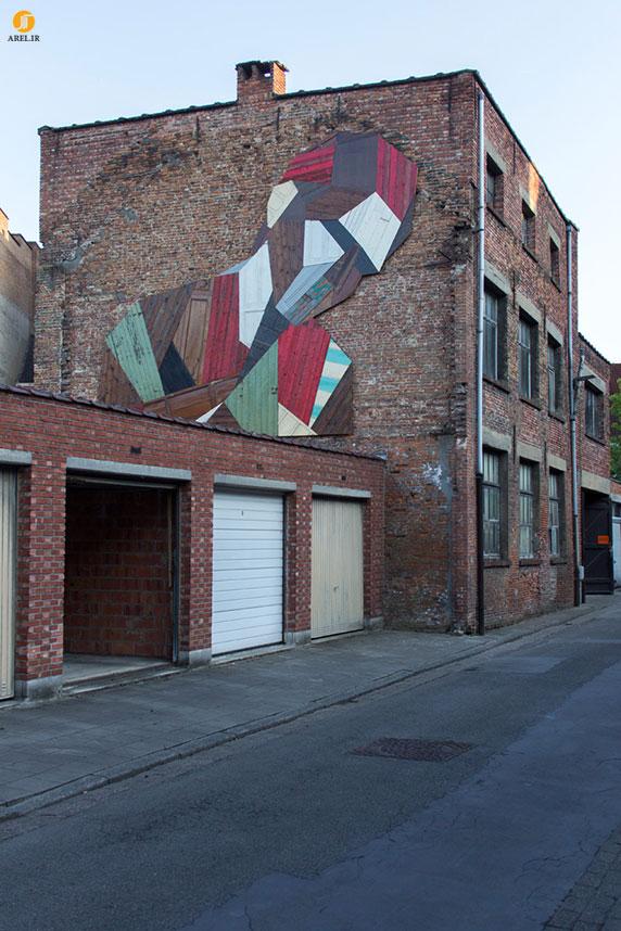 خلاقیت : طراحی نمای کارخانه قدیمی با چوب های دور انداخته شده