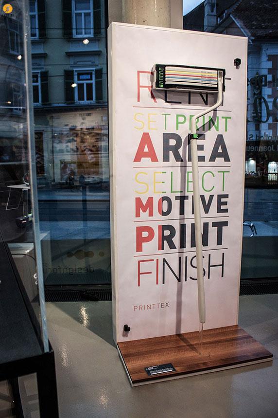 خلاقیت : چاپ متن با رولر های چاپگر نقاشی