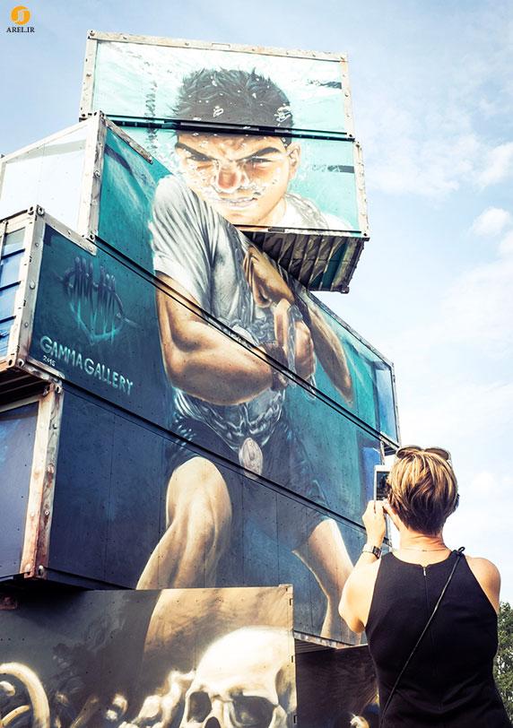 نقاشی نما بر روی دیوار کانتینر ها