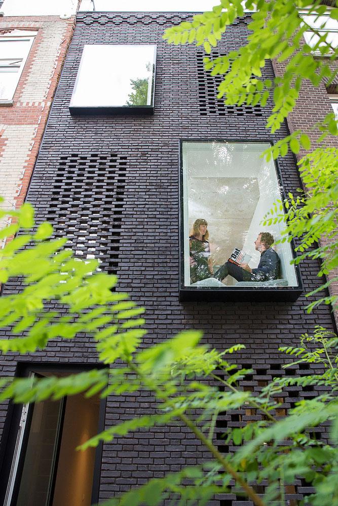خانه مدرن در بافت تاریخی شهر روتردام