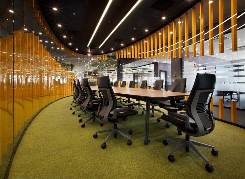 طراحی داخلی دفتر مرکزی خدمات مرسدس بنز