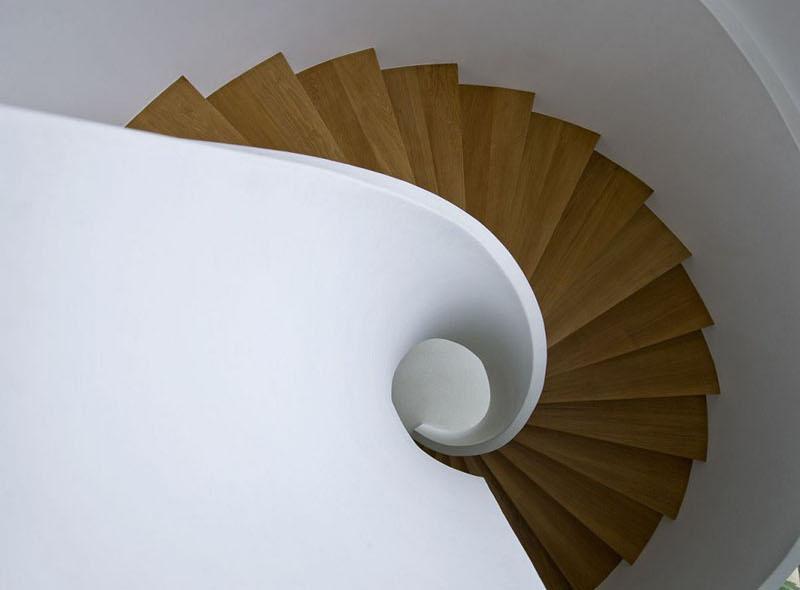 طراحی پله گرد مدرن