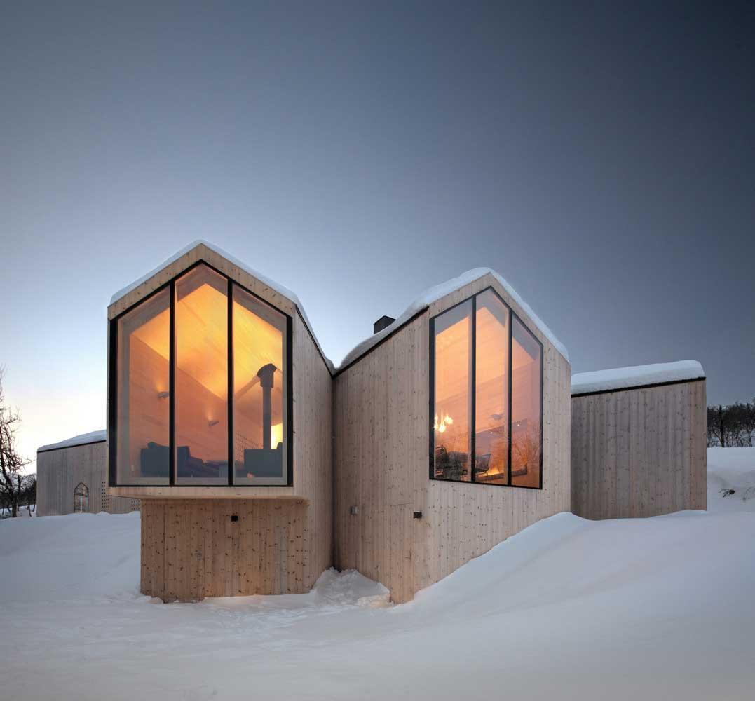 طراحی و اجرای ویلای چوبی در کوهستان