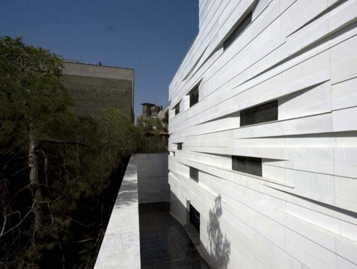 ساختمان اداری-تجاری ولیعصر در تهران