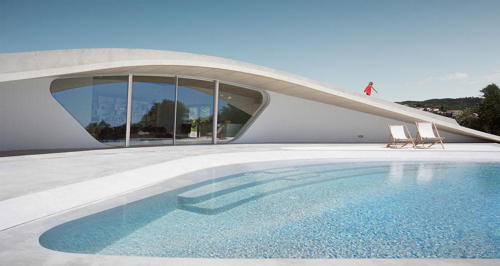 معماری خیره کننده ویلایی در یونان