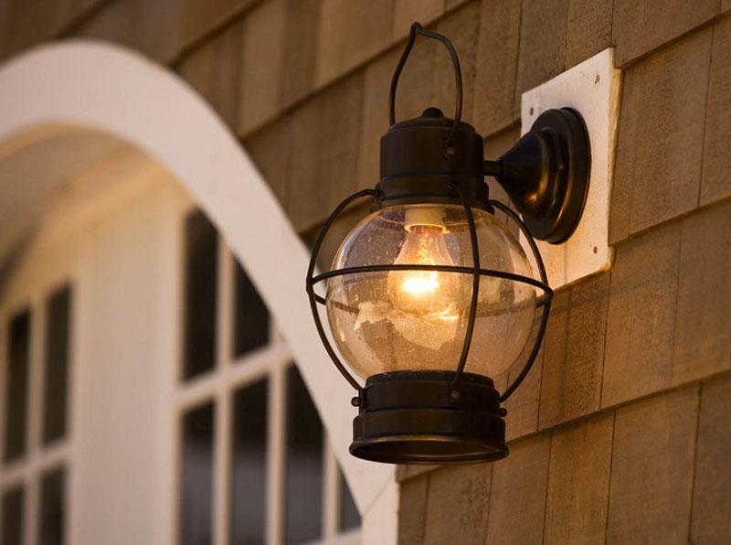 نورپردازی پذیرایی در فضای آزاد