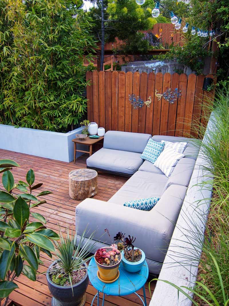 طراحی خلاقانه یک حیاط نُقلی و دنج آرل