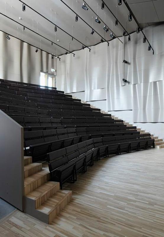 طراحی داخلی سالن کنفرانس