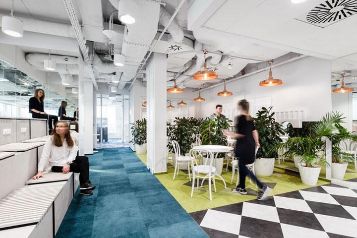 MediaCom Offices interior design%20(1) - طراحی دفتر اداری  به سبک صنعتی در اورناتتو