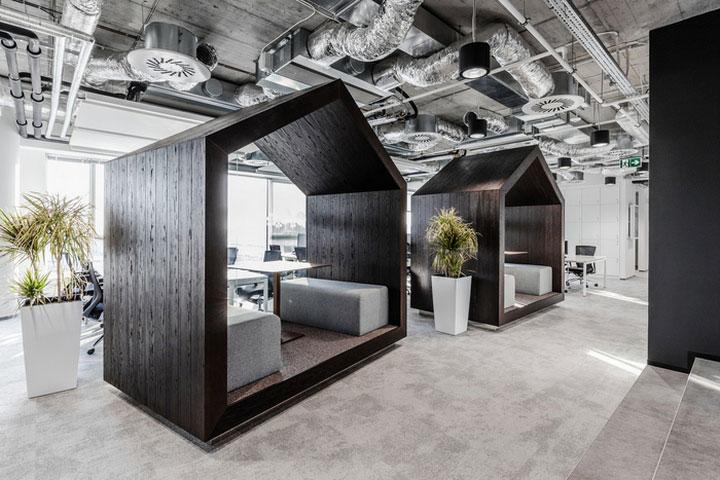 MediaCom Offices interior design%20(5) - طراحی دفتر اداری  به سبک صنعتی در اورناتتو