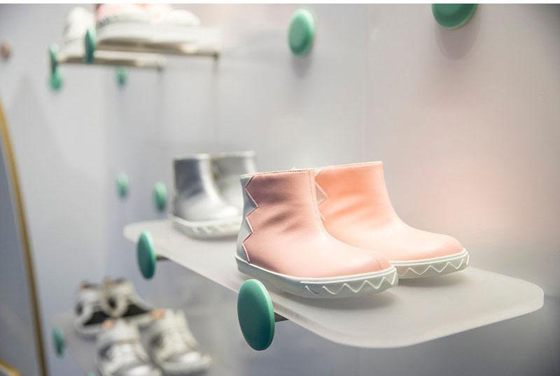 طراحی مغازه کفش فروشی کودک