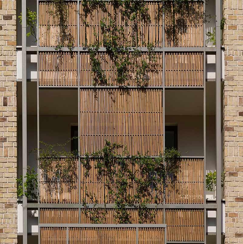 ساختمان گوشواه ها رتبه دوم جایزه معمار 95