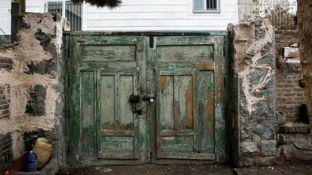 جلال و سیمین در نامه هایشان خانه خود را ساختند
