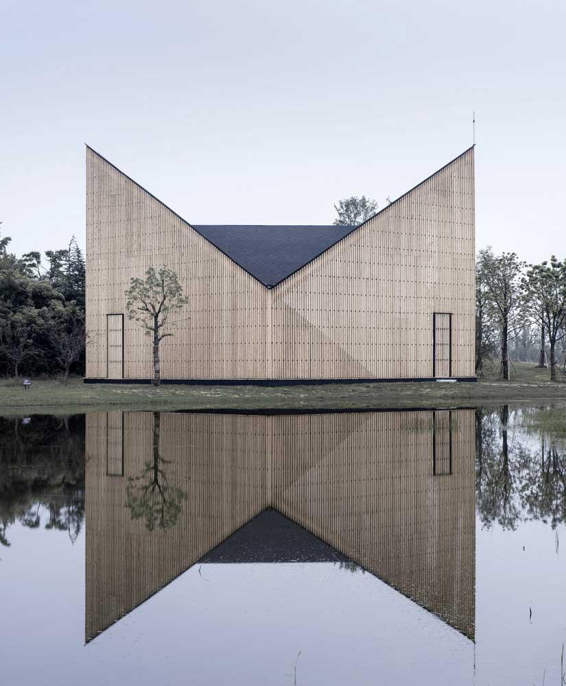10 ساختمان معماری و انعکاس آنها در آب
