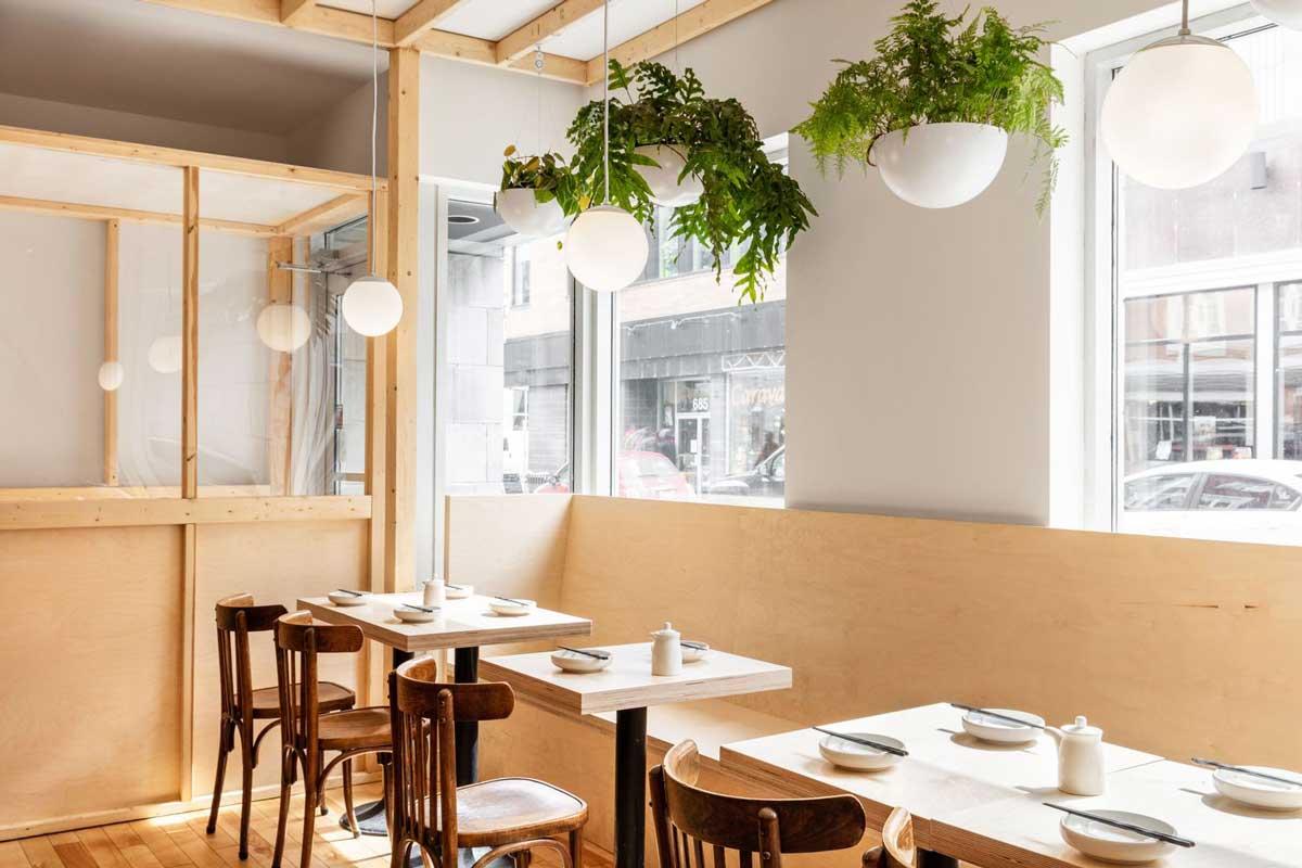 استفاده از پنجره های بزرگ در طراحی داخلی رستوران