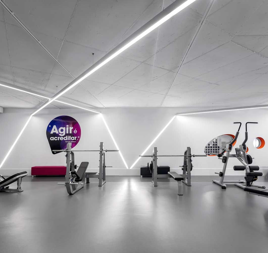 طراحی داخلی باشگاه بدنسازی و فیتنس