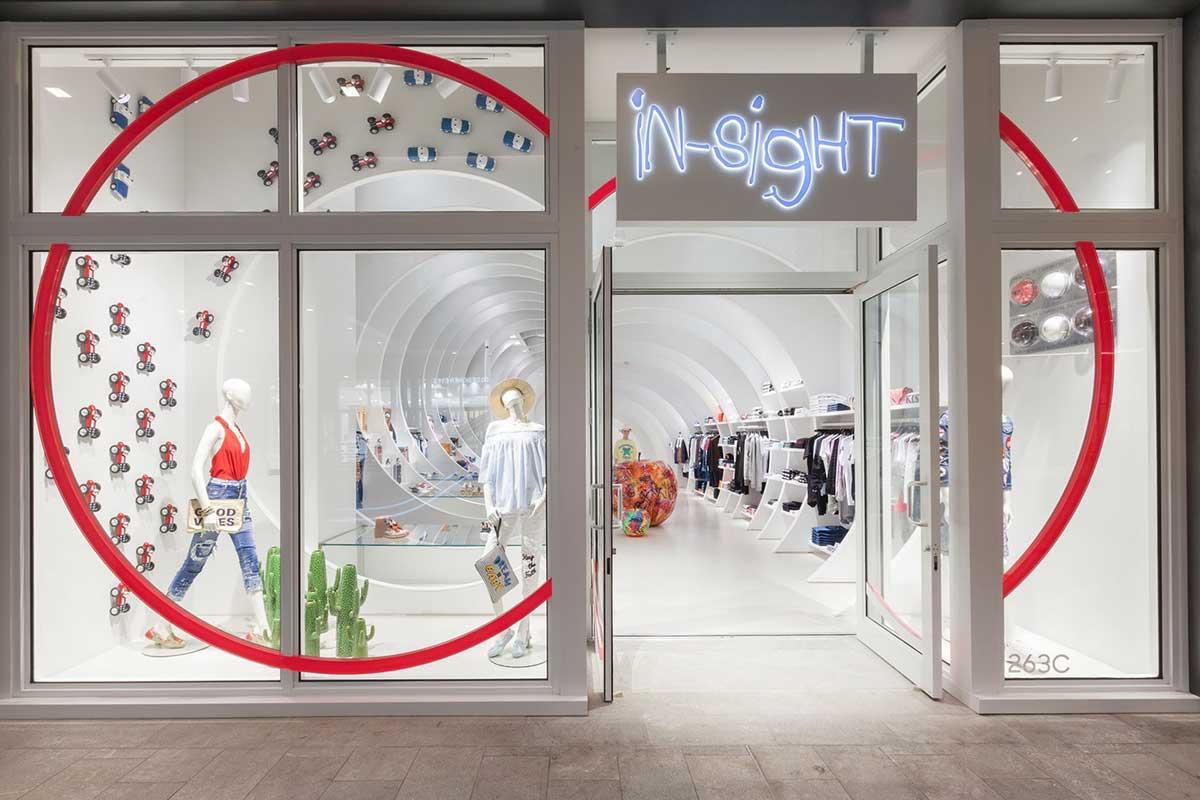 طراحی مغازه پوشاک کودک و نوجوان