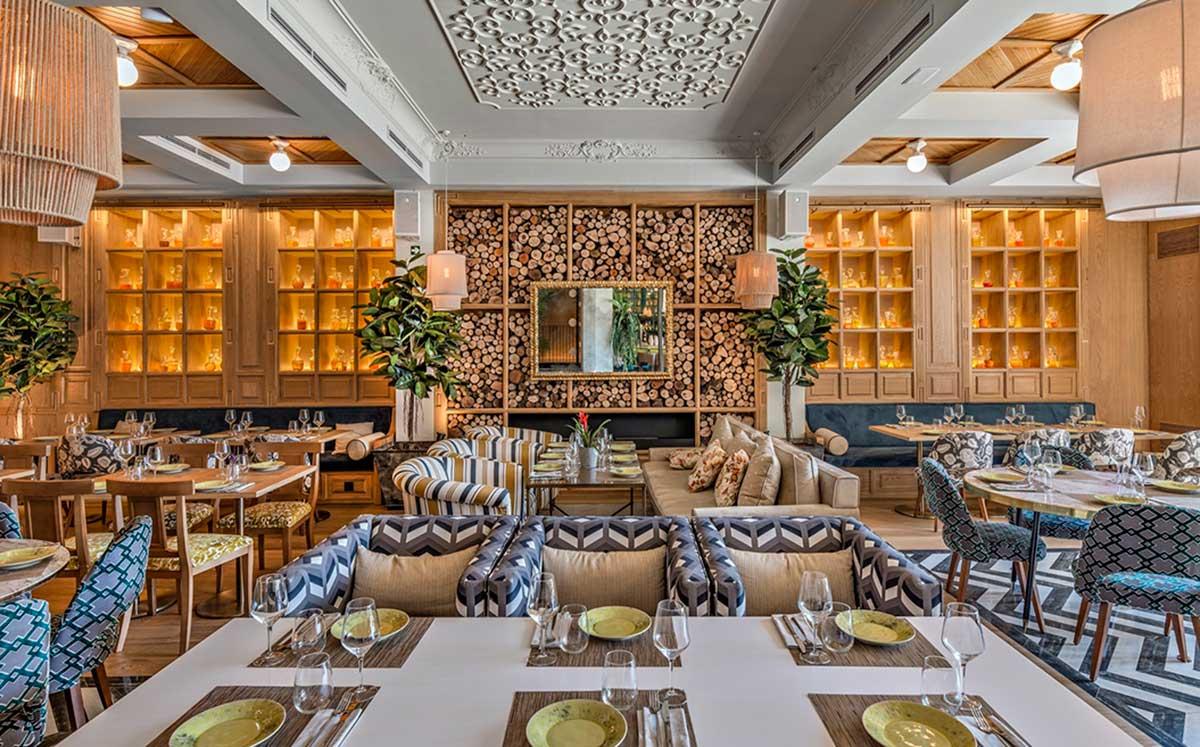 طراحی رستوران کلاسیک اسپانیایی