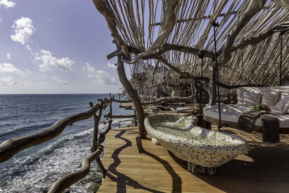 طراحی هتل رو به دریا