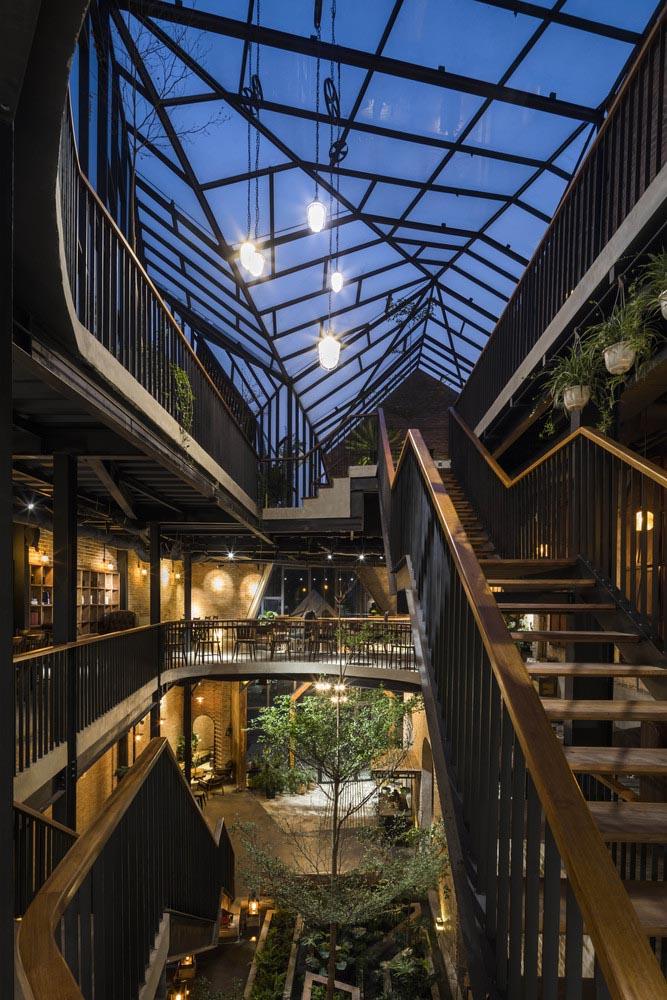 طراحی پله رستوران