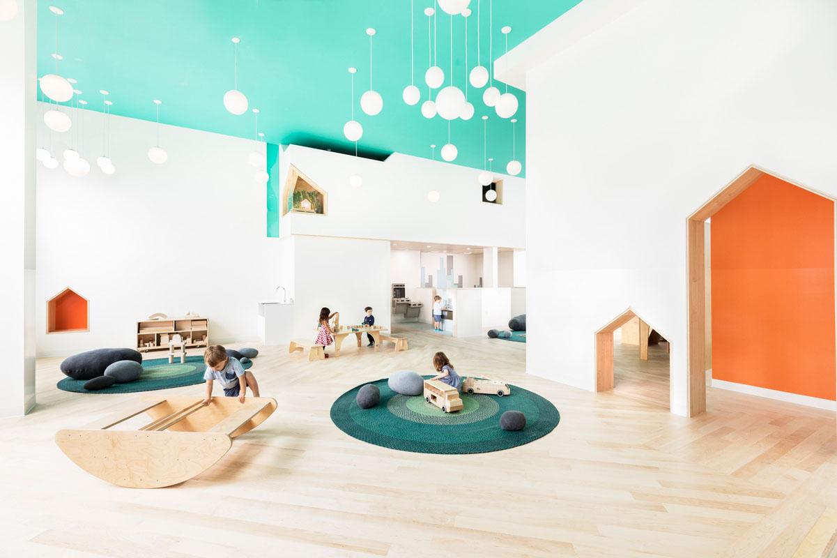 رویکرد  Pikler در معماری: مبلمان چوبی و آزادی فضایی